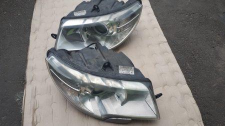 Skoda Superb II fényszóró /angol/