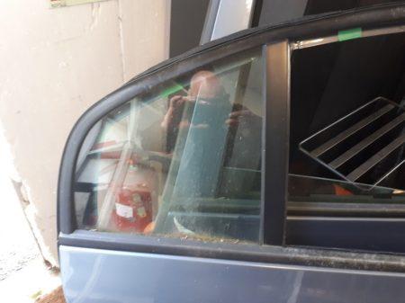 Skoda Superb fix üveg hátsó ajtóba tömítéssel