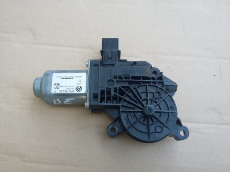 Skoda Fabia II-Roomster ablakemelő motor első