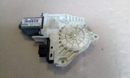 Skoda Superb II ablakemelő motor bal hátsó